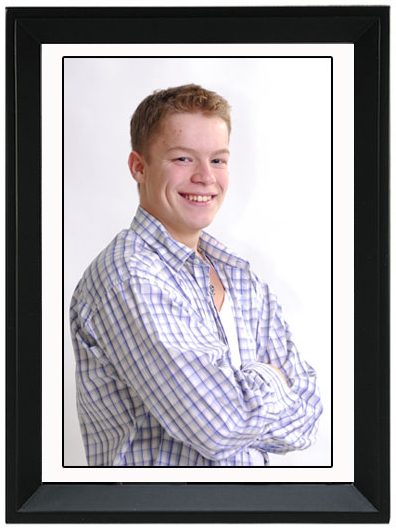 portrait with black picture frame price1