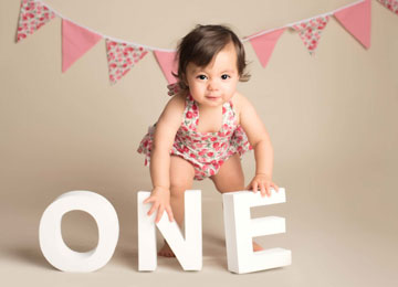 professional photography for birthday baby